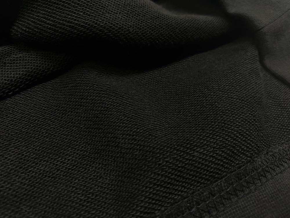 モノクローズ ロゴステッチフーディー / ブラック