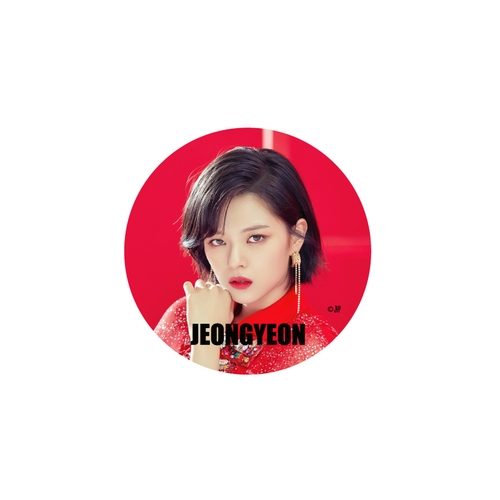 TWICE WORLD TOUR 2019 'TWICELIGHTS' IN JAPAN 缶バッチ/RED【JEONGYEON】