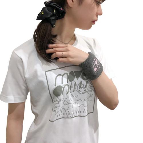 move on!!!! フラワーグラフィックTシャツ