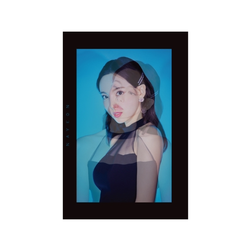 TWICE WORLD TOUR 2019 'TWICELIGHTS' IN JAPAN TWICE PHOTO BOOK 'TWICELIGHTS'【NAYEON】