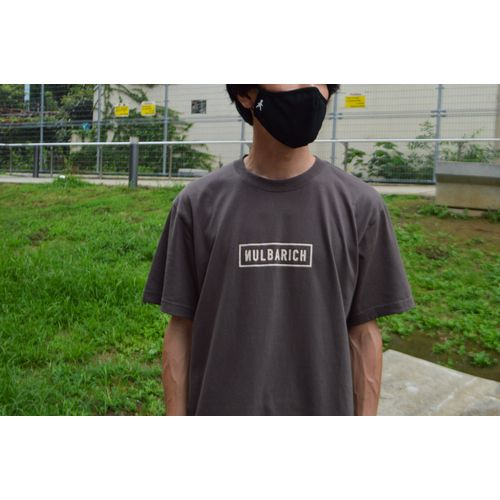 Chill In The Living Room T-Shirts/brown